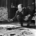 Jackson Pollock dans son atelier