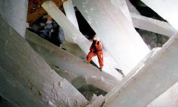 Naica, la cueva de los cristales gigantes ...(crystal caves)
